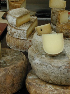 Cheese_market_Basel