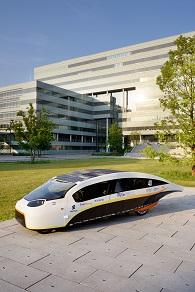 zonneauto Stella Vie van Solar Team Eindhoven