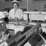 Production of penicillin at the laboratories of Hoechst in October 1944. Was halted because of allied bombings. Oktober 1944 - Hoechst gelingt die Herstellung von Penicillin, Stichtag - Stichtag - WDR
